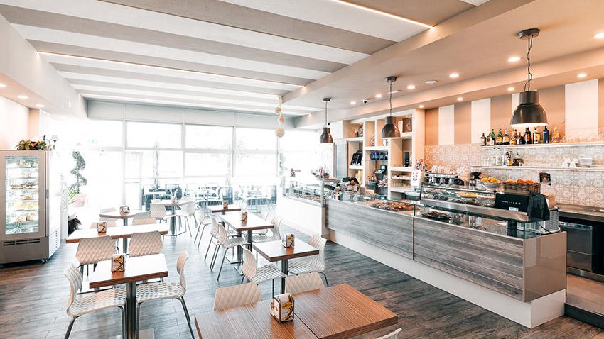 Arredamenti per bar ristoranti e negozi format srl for Arredamenti bar ristoranti